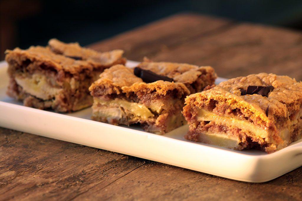 Receita de torta de banana fácil e deliciosa para você preparar em casa. Também conhecida como torta preguiçosa.
