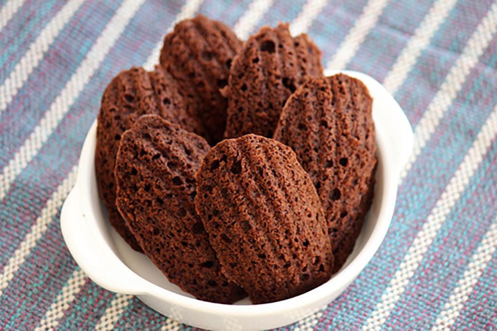 Madeleines de chocolate e canela