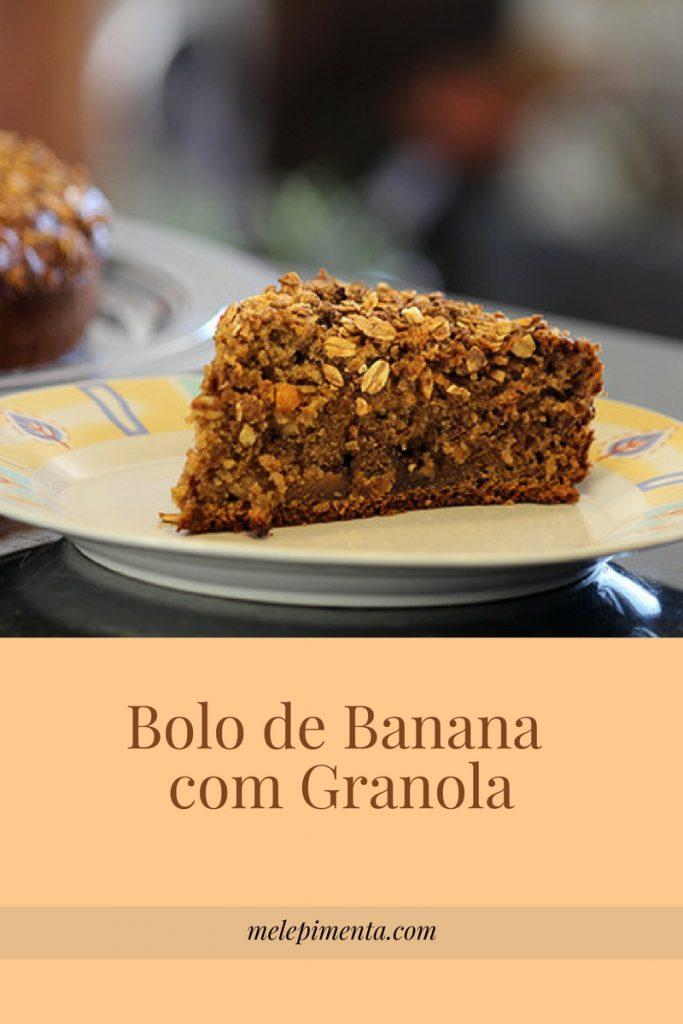 Bolo de banana com granola