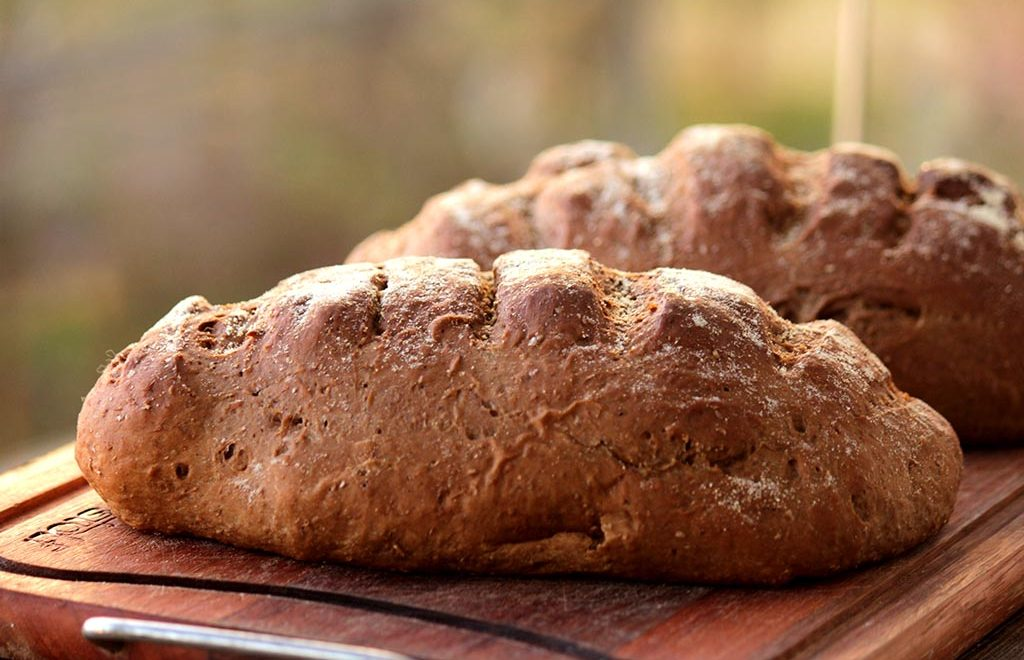 Pão Australiano e manteiga do Outback
