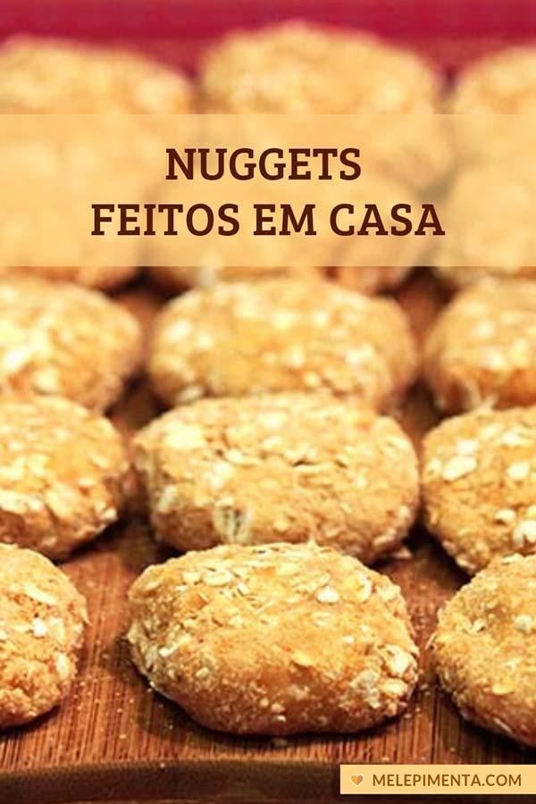 Nuggets de frango feitos em casa - Prepare seus nuggets em casa, feitos com frango de verdade e bem selecionado. Essa receita saudável leva aveia, é deliciosa, pode ser feita no forno, frita e também na airfryer. Delicie-se com essa receita caseira de nuggets, fácil de fazer e de sabor incrível.