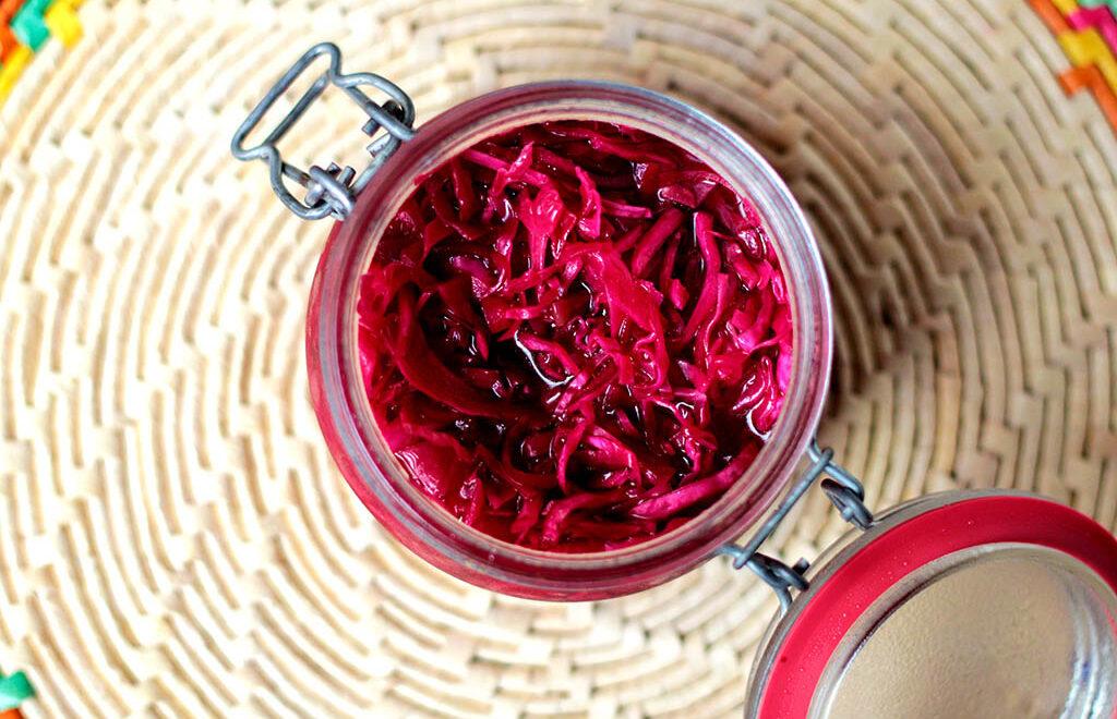 Salada de repolho com beterraba | Marinada