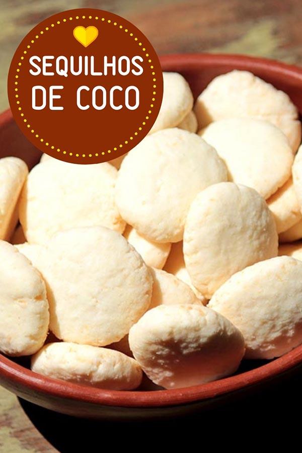 Sequilhos de coco - Faça essa receita de biscoito caseiro de coco daqueles que derretem na boca. É uma receita fácil, e deliciosa para você fazer. Leve as crianças para a cozinha.