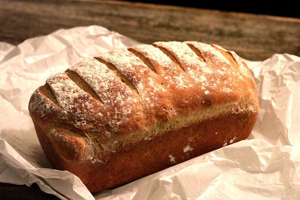 Pão integral de laranja com iogurte,