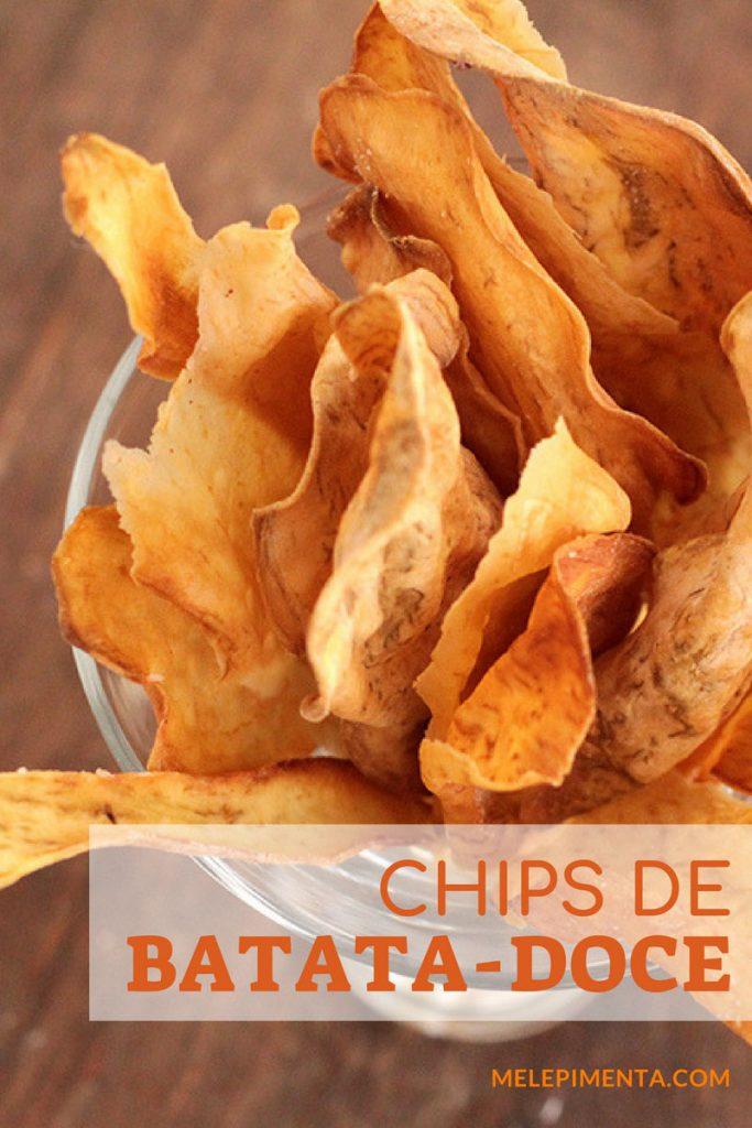 Chips de batata-doce uma receita deliciosa, crocante e muito saudável. Faça esses chips crocantes e perfeitos para petiscar a qualquer momento. Esses chips de batata-doce são assados.