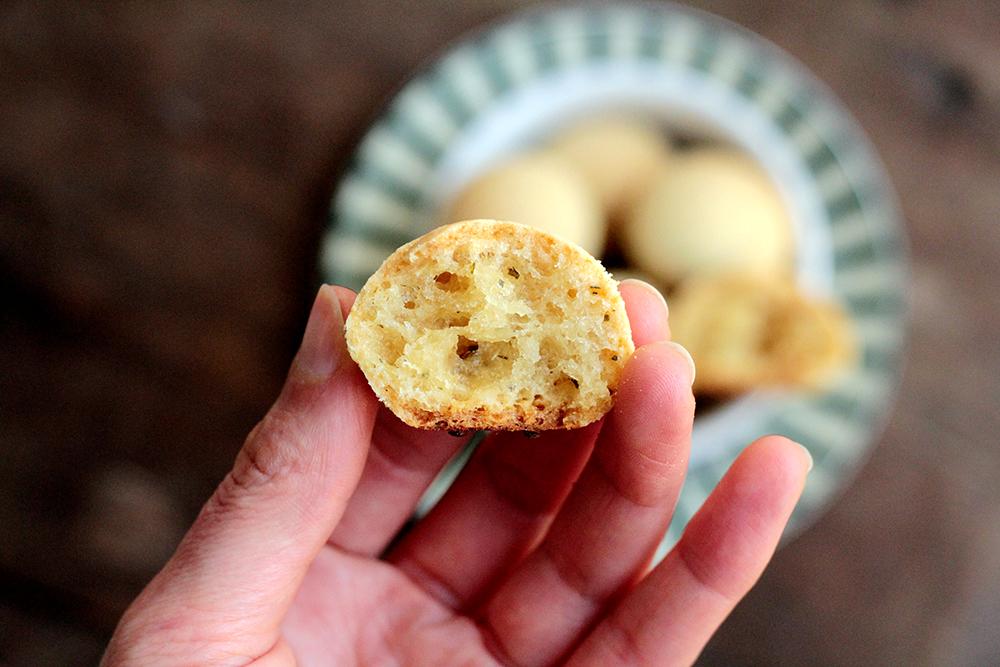 Pão de queijo com batata-doce saudável