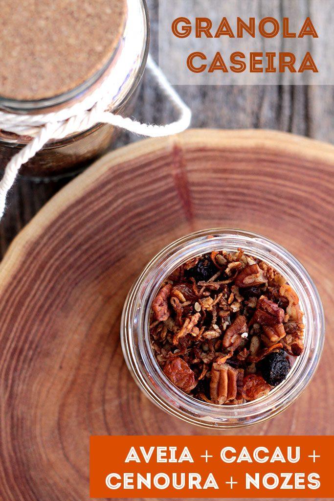 Receita de granola caseira com cacau e cenoura - Uma receita de granola saudável, caseira e deliciosa. Com poucos ingredientes você consegue fazer uma granola econômica e crocante.
