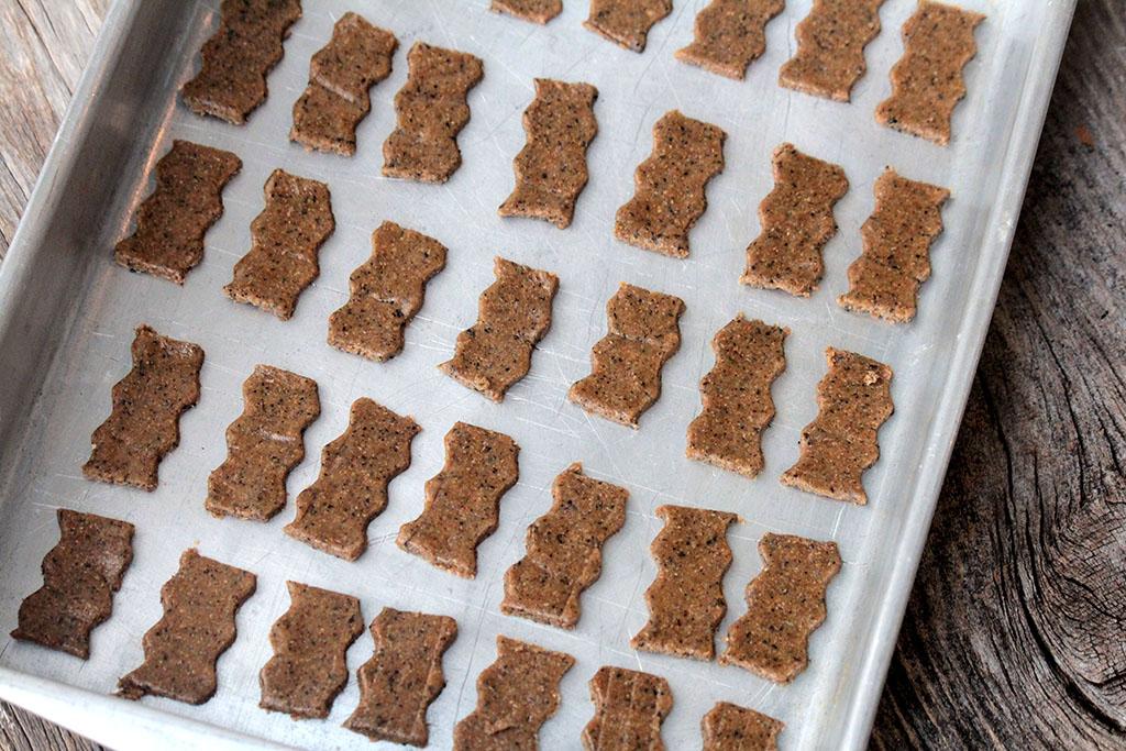 Biscoito integral de chá preto, uma receita saudável e com todo o sabor e o aroma do chá preto. Confira a receita e faça esses deliciosos cookies integrais na sua casa. Eles são uma ótima opção para um lanche saudável.