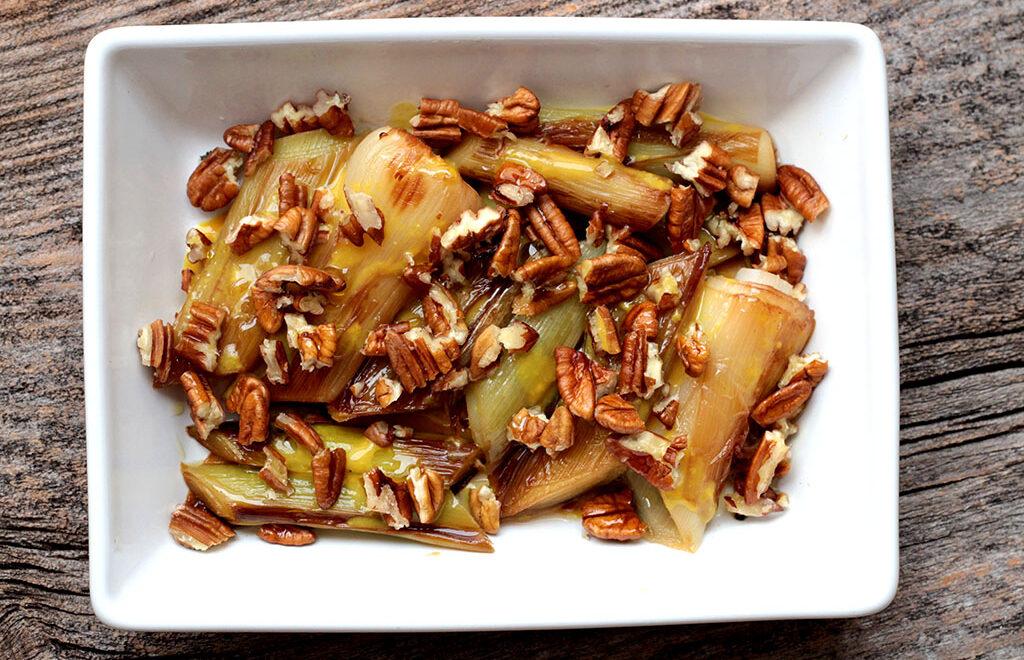 Salada morna de alho poró – Fácil e deliciosa