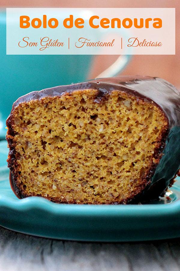 Receita de um delicioso Bolo de cenoura sem glúten e funcional - Esse bolo saudável, macio é muito gostoso e fácil de fazer, pois é um bolo de liquidificador. Ele é feito com farinha de arroz, castanhas ou amêndoas, açúcar mascavo e iogurte. Confira essa receita deliciosa e sem farinha de trigo, para seu café da manhã ou lanche.