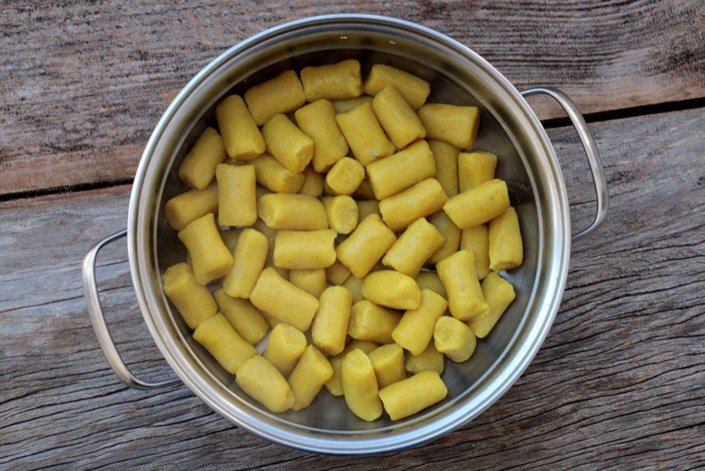 Nhoque de batata-doce com açafrão