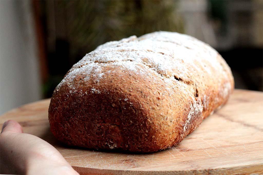 Pão integral de abobrinha e iogurte