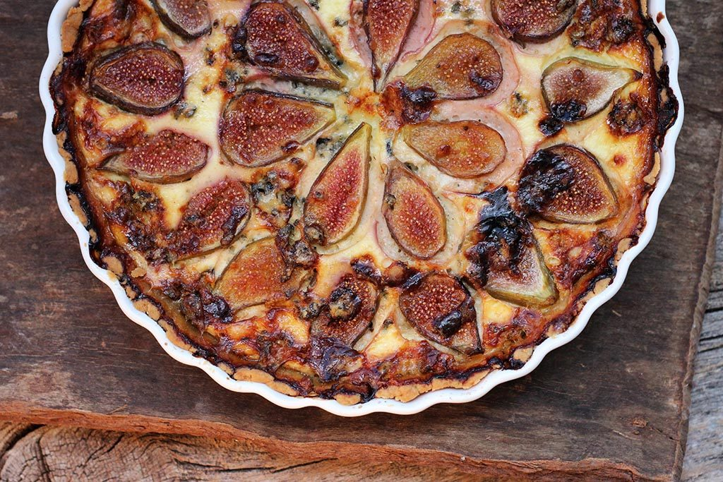 Quiche de figos e queijo gorgonzola com toque de mel