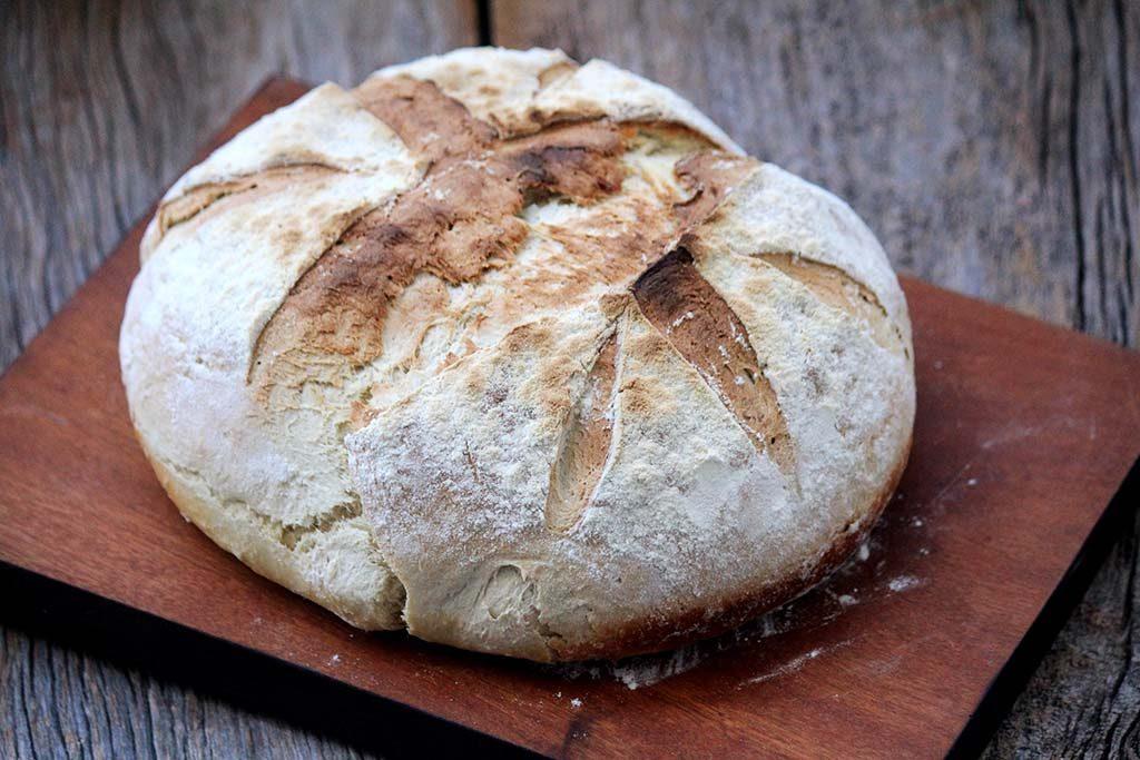 Pão caseiro de milho verde, macio e delicioso