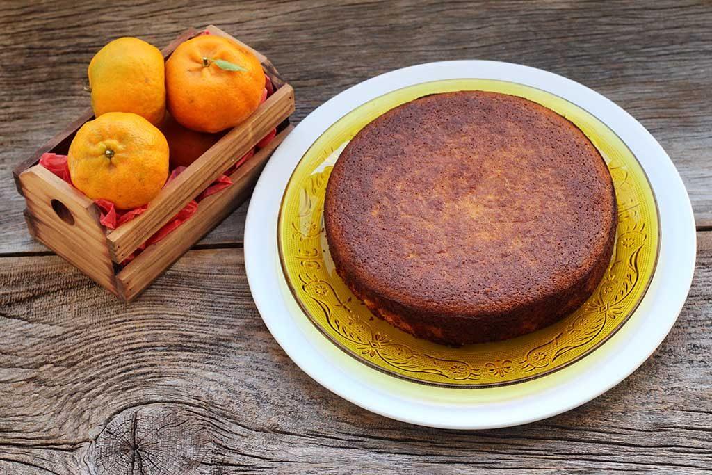 Bolo de bergamota sem farinha, receita sem glúten, sem lactose e deliciosa.