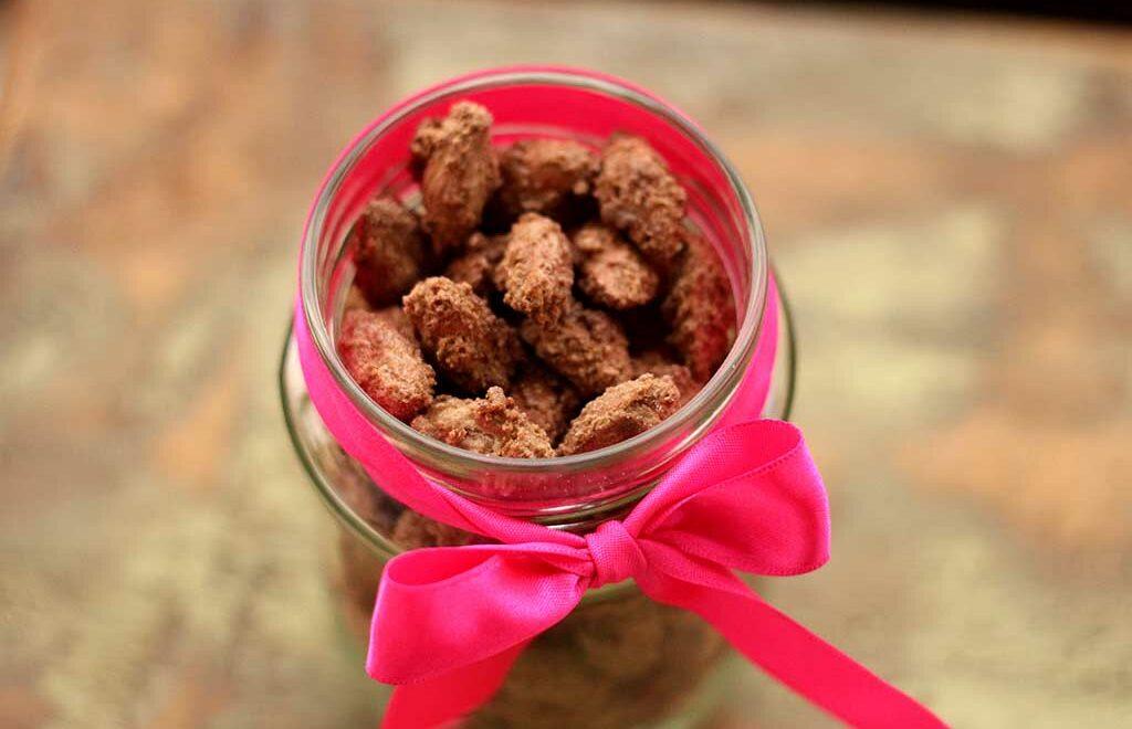 Nozes carameladas com açúcar mascavo e canela