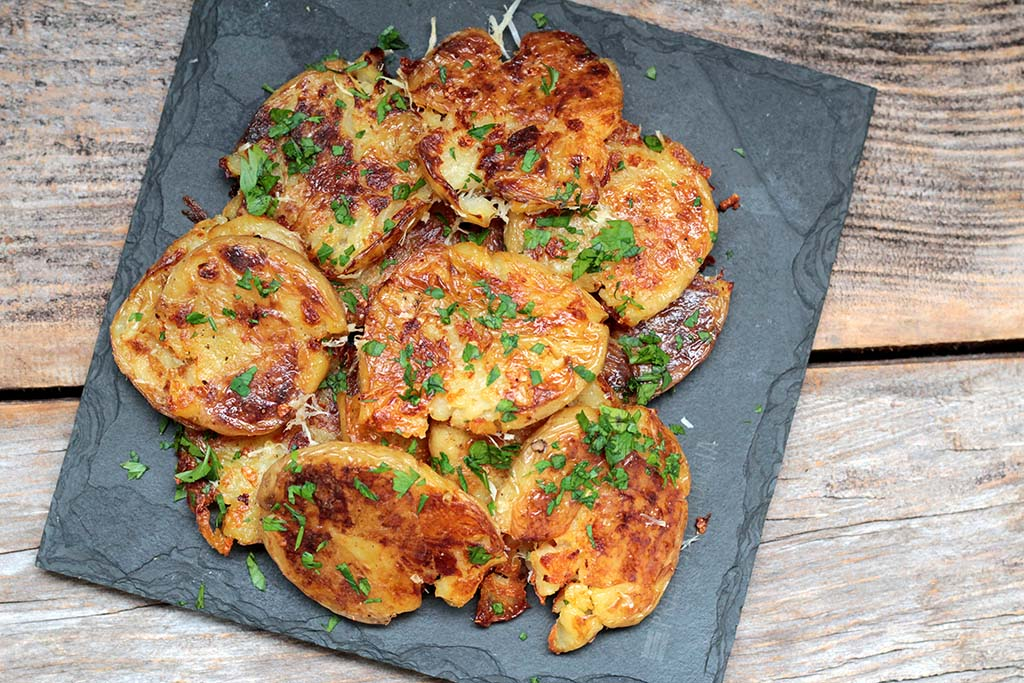 Batatas ao murro, receita fácil e deliciosa