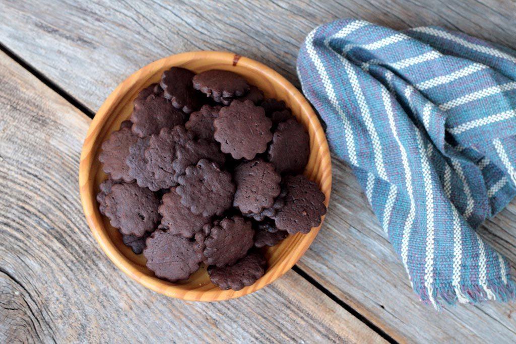 Biscoitos de cacau e açúcar mascavo