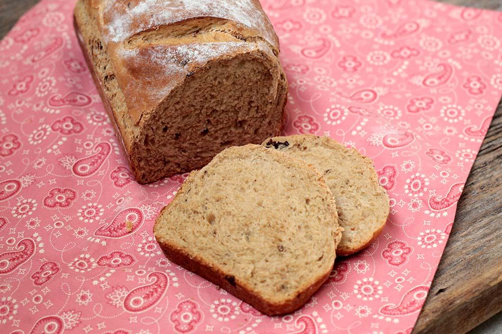 Receita de pão caseiro de ameixa seca com iogurte