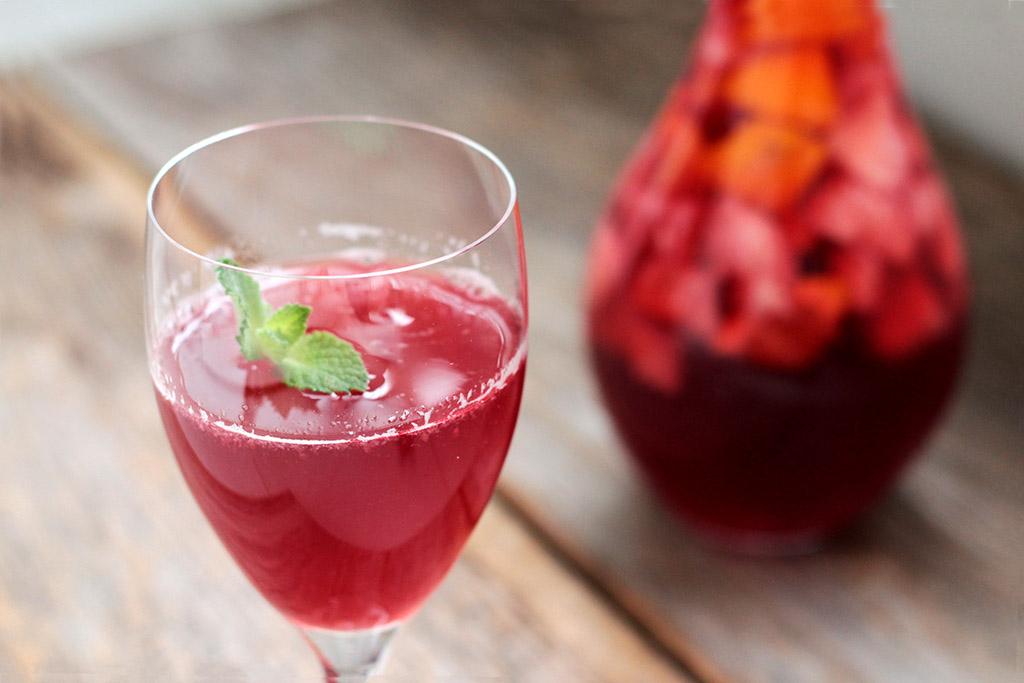 Como fazer chá gelado caseiro de hibisco com frutas - bebida Gaseificada e saudável