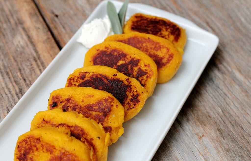 Bolinhos de abóbora com batata-doce grelhados