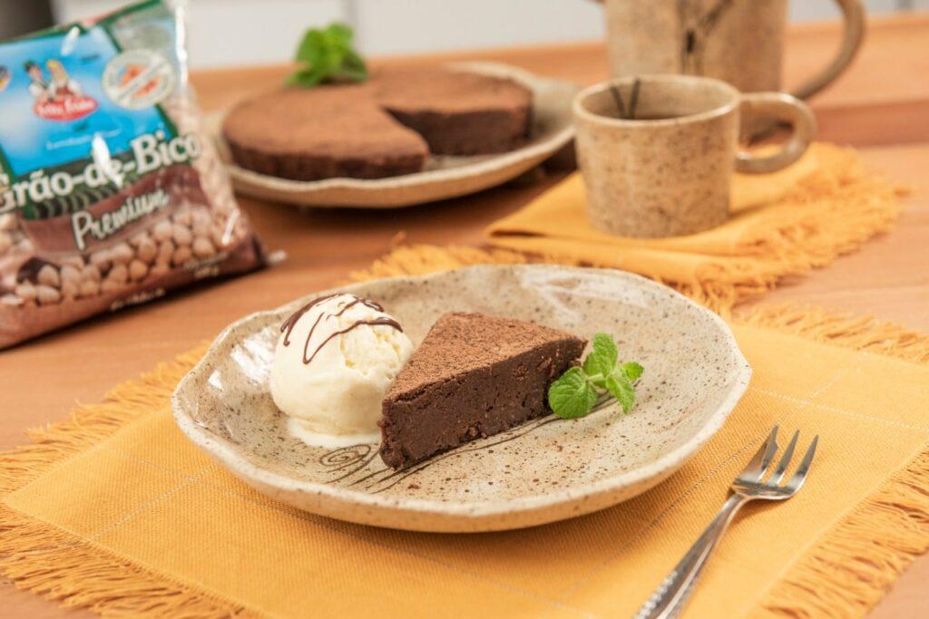 Torta de chocolate com grão-de-bico
