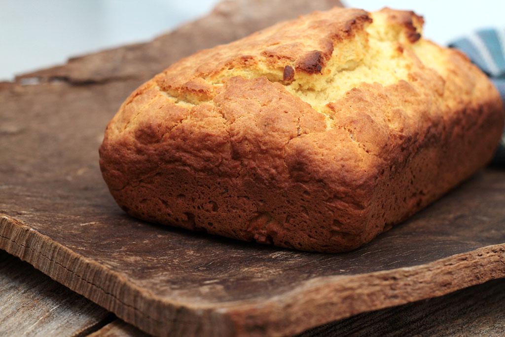 Pão rápido e amanteigado - Feito com fermento de bolo