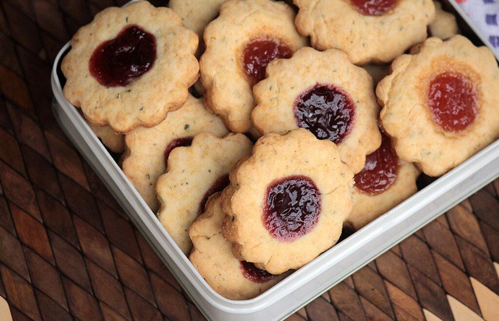 Biscoitos de alecrim com geleia – Fáceis e deliciosos