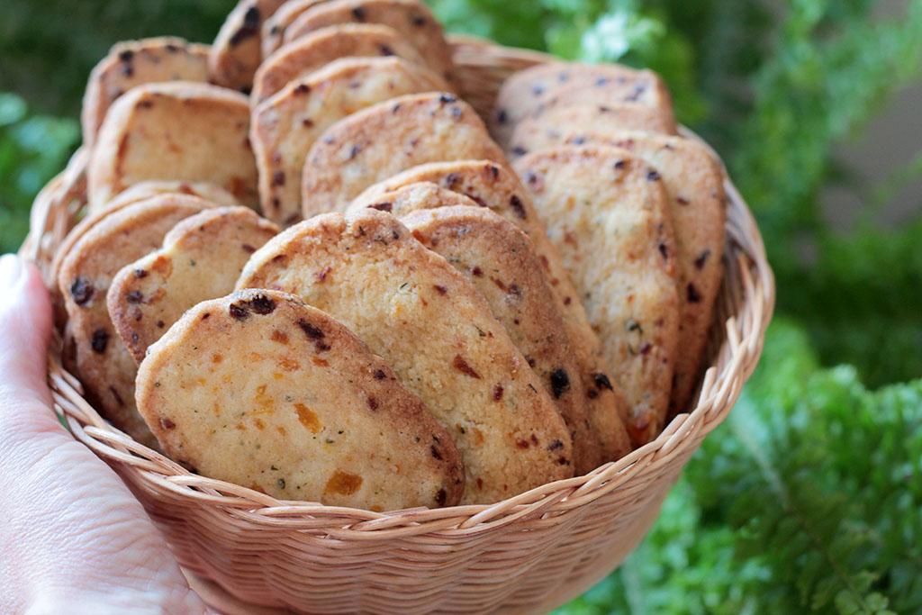 biscoito amanteigado damasco manjericão