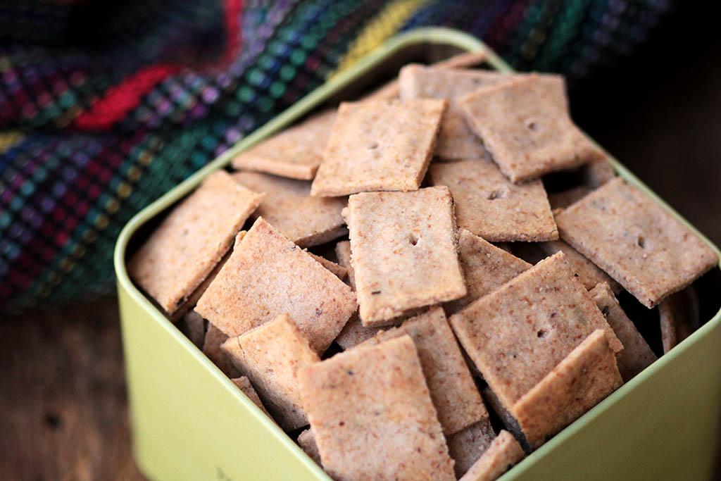 Biscoitos salgados com ervas | Sem glúten e sem lactose