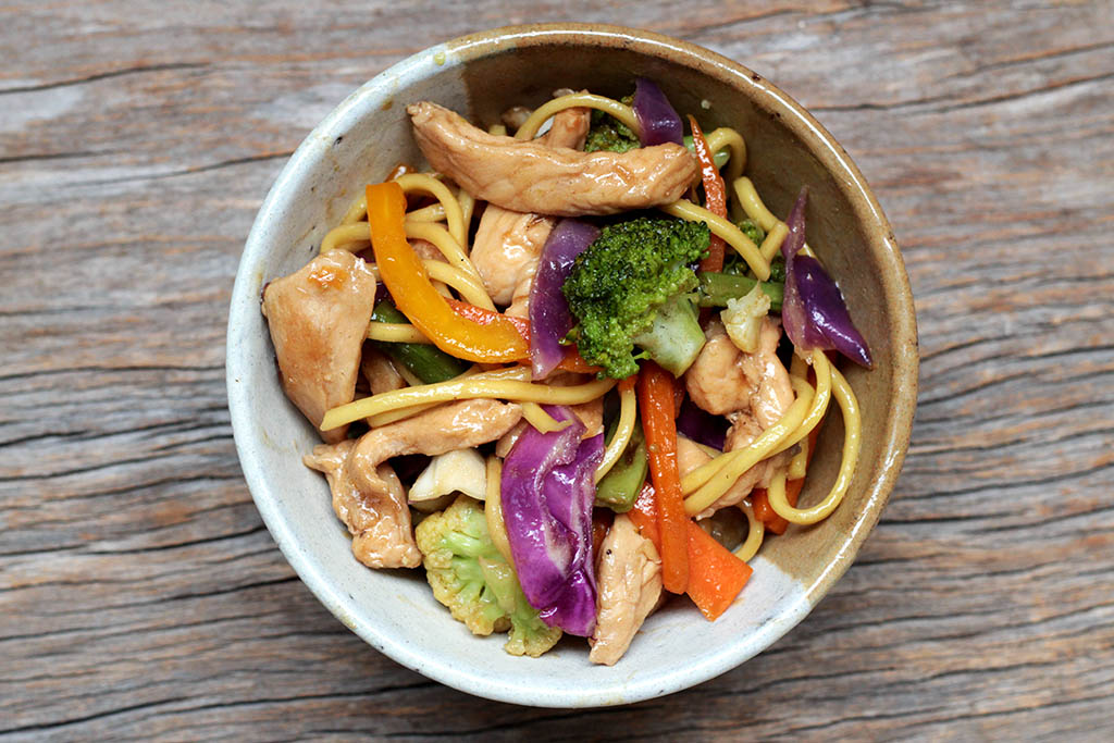 como fazer yakisoba de frango