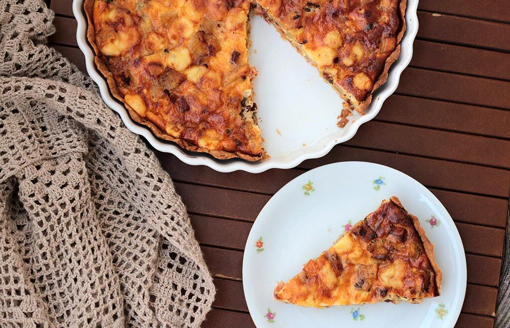 Quiche de banana-da-terra e bacon